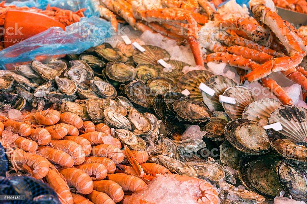 Seafood on ice. Bergen's fish market, Norway - foto de stock