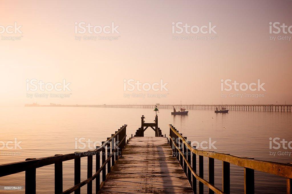 Strand und pier Anlegestelle – Foto