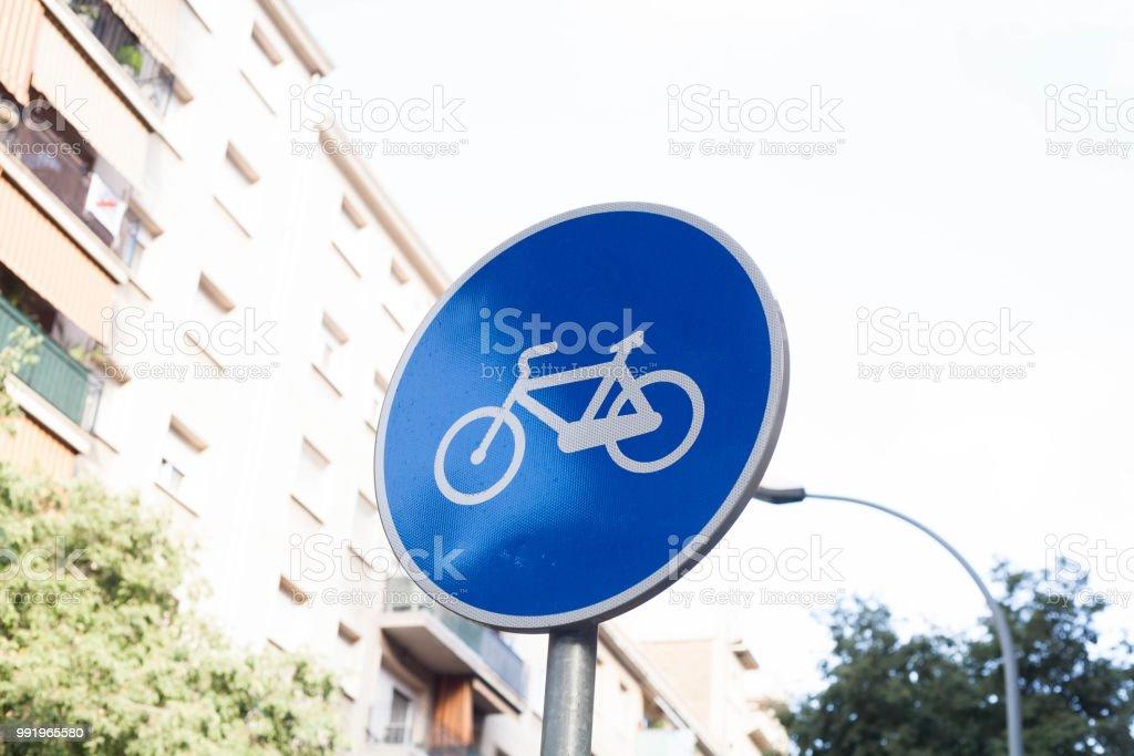 señal tráfico bicicleta urbana barcelona stock photo