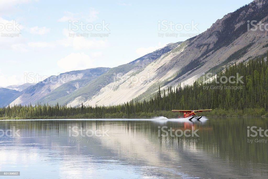 seaplane on lake  foto de stock libre de derechos