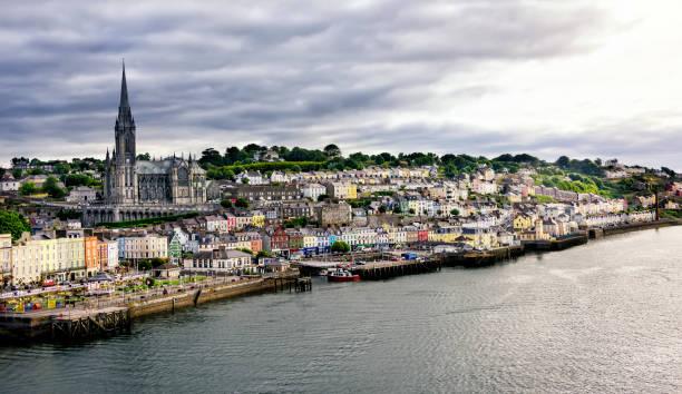Seaport Village von Cobh – Foto