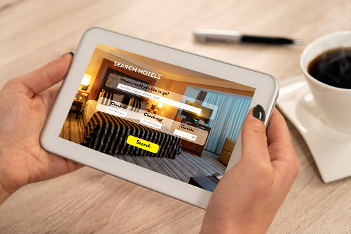 Hotel, Searching, Making a Reservation, Mobile Phone, Internet