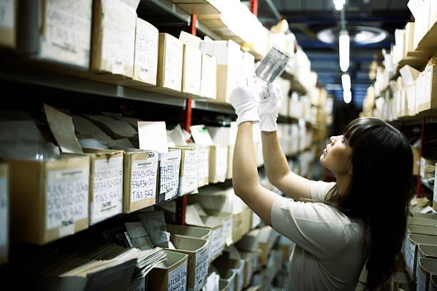 Pesquisar arquivos. - foto de acervo