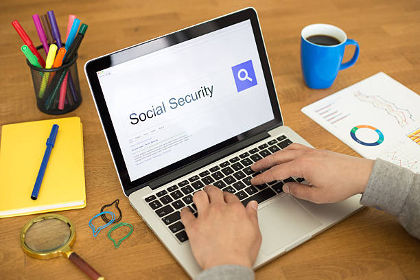 Searching SOCIAL SECURITY on Internet Search Engine Browser Conc Searching SOCIAL SECURITY on Internet Search Engine Browser Concept social security stock pictures, royalty-free photos & images