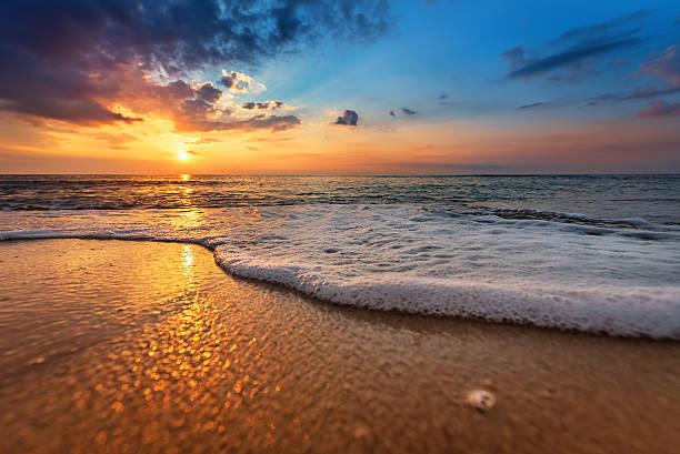 Seascape during sundown beautiful natural seascape picture id622182404?b=1&k=6&m=622182404&s=612x612&w=0&h=0nursliuhbxbwgjcwp5vdgjo f877ugagl6xo6 njgq=