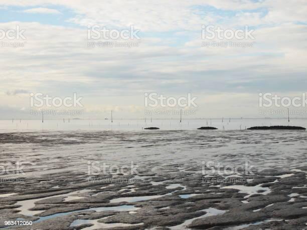 Pejzaż Morski Na Błękitnym Niebie - zdjęcia stockowe i więcej obrazów Bez ludzi