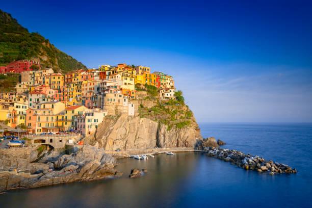 seaside village of riomaggiore at cinque terre - la spezia foto e immagini stock