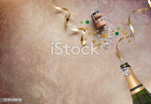 istock Seasonal champagne background 1078140918