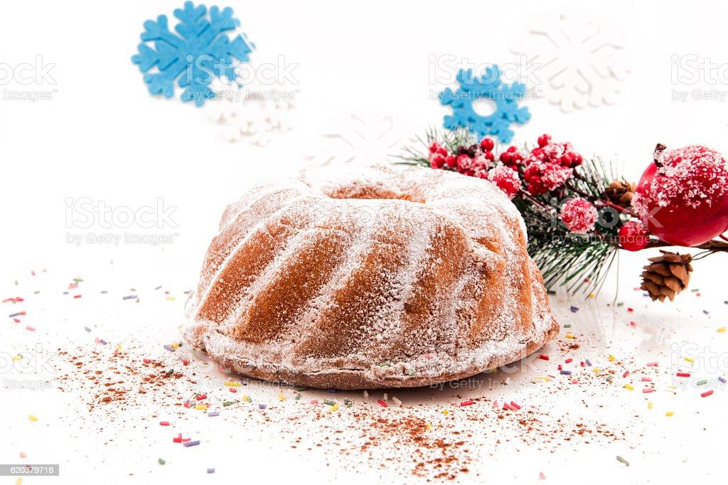 Seasonal festive christmas cake mini dessert   decorative symbols elements foto de stock royalty-free