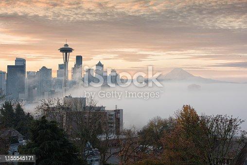 Foggy morning in Seattle, Mount Rainier
