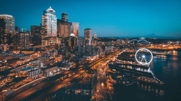 Seattle Pier66 shot of Seattle skyline in dt. promenade stock pictures, royalty-free photos & images