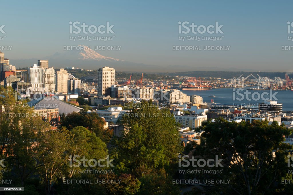 Seattle skyline and harbor view with Mount Rainier in the distance royalty-free stock photo