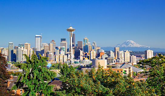 Seattle skyline and Mt Rainier on a clear day