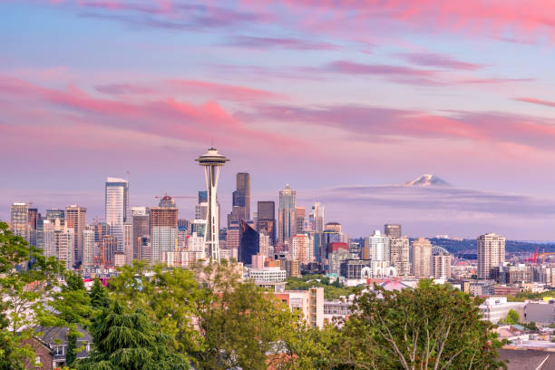 seattle skyline panorama at sunset as seen from kerry park - seattle стоковые фото и изображения