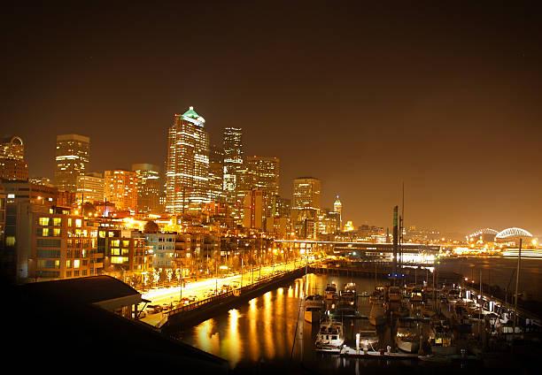 Seatttle Waterfront bei Nacht – Foto