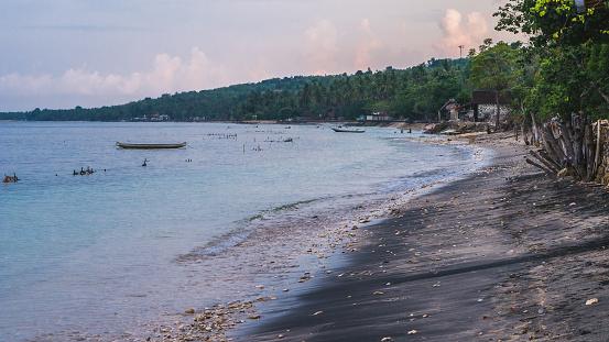 Zeewier Plantage Boerderij In Avondlicht Nusa Penida Bali Indonesië Stockfoto en meer beelden van Azië
