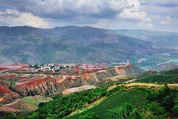 second magnificent red land in the world-valley and village 01 - 쿤밍 뉴스 사진 이미지