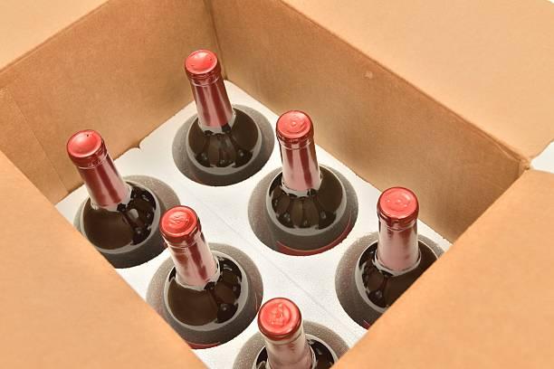 secure shipping of wine bottles in a box - wine box bildbanksfoton och bilder