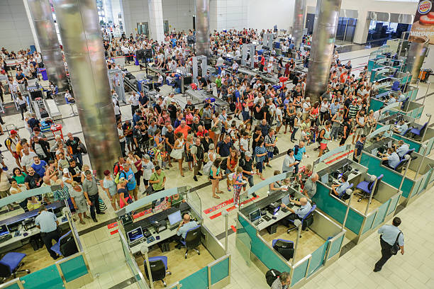 Security and passport control at airport - foto de acervo