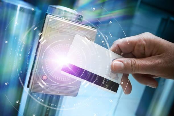 badge sécurité contôle accès vigipirate identité autorisation entrée identification passage main - badge stock pictures, royalty-free photos & images
