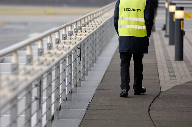 Wachmann am Flughafen – Foto