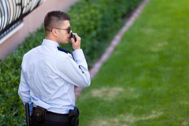säkerhetsvakt - vakta bildbanksfoton och bilder