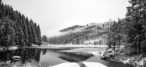 Wir sehen in Norwegischer Schneelandschaft – Foto