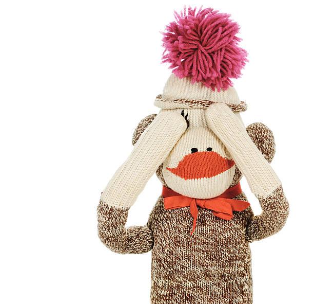 nichts böses sehen sock monkey - nähpuppen stock-fotos und bilder
