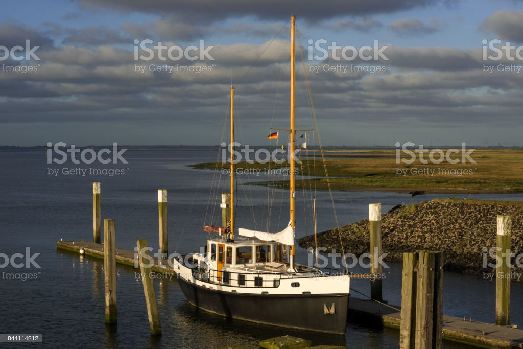 Segelschiff im Hafen von Spiekeroog stock photo