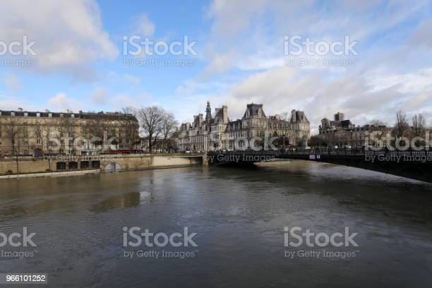 Floden Seine-foton och fler bilder på Flod