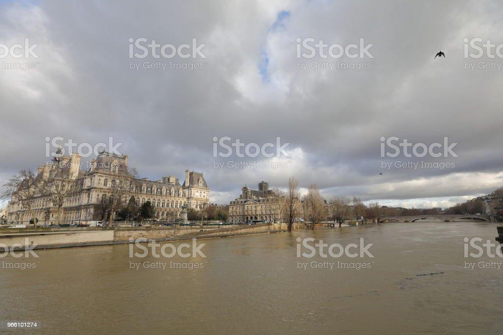 Floden Seine - Royaltyfri Flod Bildbanksbilder
