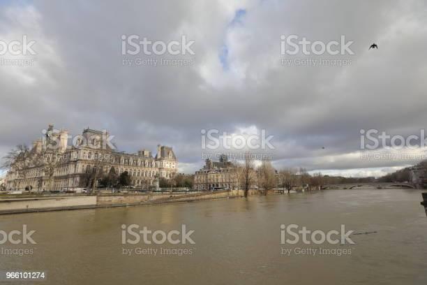 Seine River - Fotografias de stock e mais imagens de Ao Ar Livre