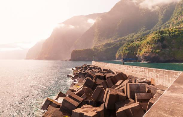 seixal pier. coastal landscape - setubal imagens e fotografias de stock