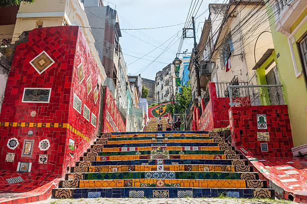 escalier selaron de lapa, à rio de janeiro - carnaval de rio photos et images de collection