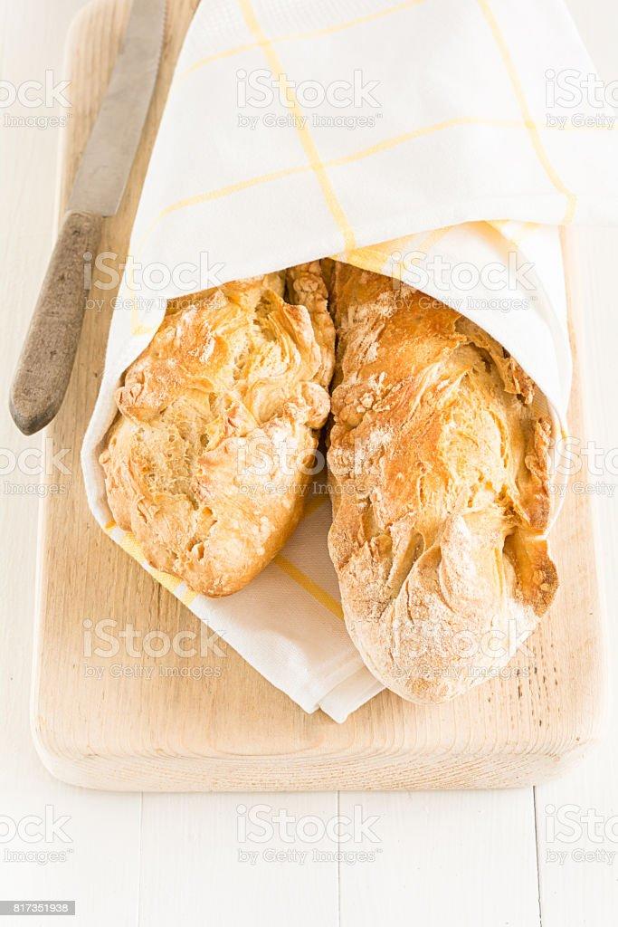 Selbst gebackenes Baguette stock photo