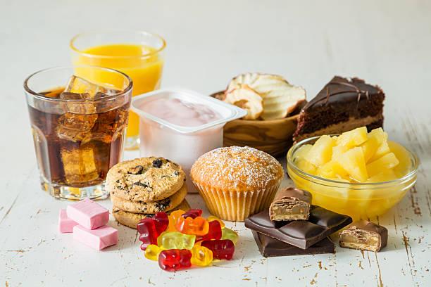 다양한 음식 높은 혈당 - 악한 뉴스 사진 이미지