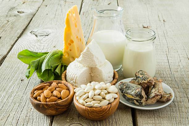 selection of food that is rich in calcium - 鈣 個照片及圖片檔