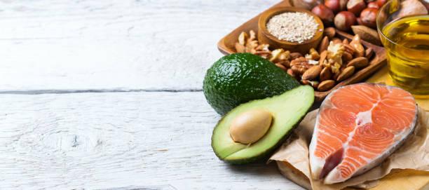 selección de alimentos fuentes de grasa saludable, concepto de vida - omega 3 fotografías e imágenes de stock