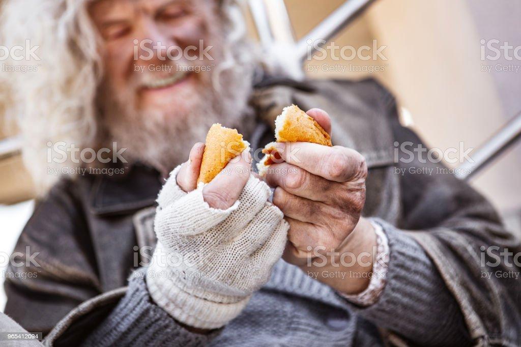 美味麵包的選擇性聚焦 - 免版稅一個人圖庫照片