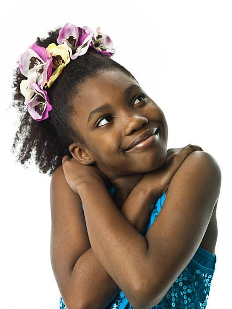 En se tenant afro Caraïbes petite fille - Photo