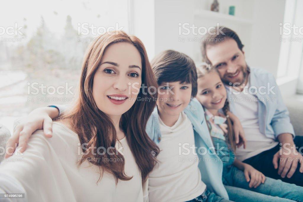 familie mit 2 kindern