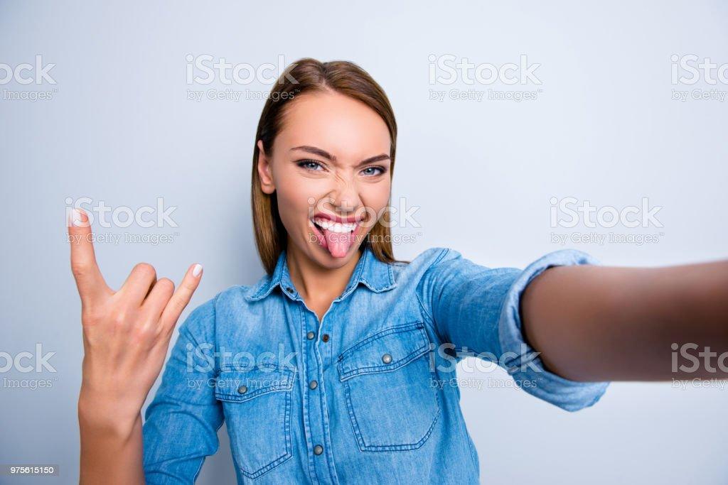Selbstporträt Von Cool Verrücktes Mädchen Schießen Selfie Auf