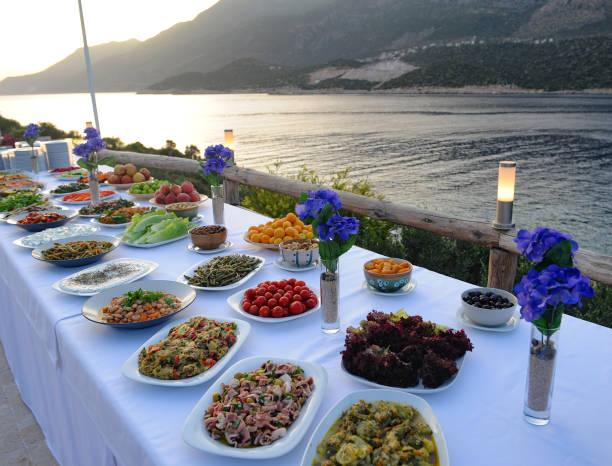 self service meals for guests - sideboard imagens e fotografias de stock