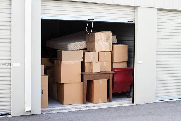 Entrepôt de stockage en libre-service avec une unité. - Photo