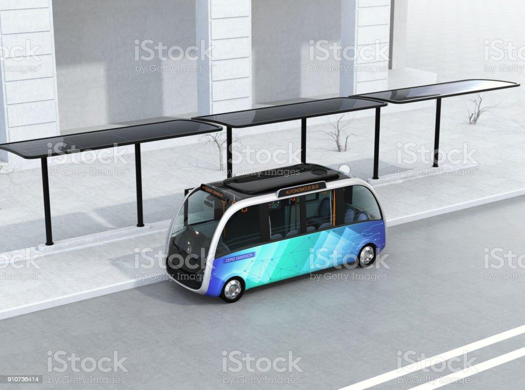 Selbst fahrenden Shuttle-Bus warten am Busbahnhof – Foto