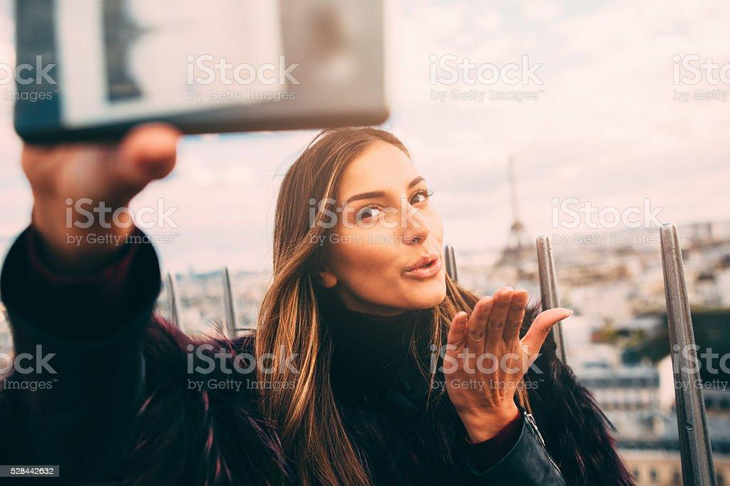 Selfie en París - foto de stock