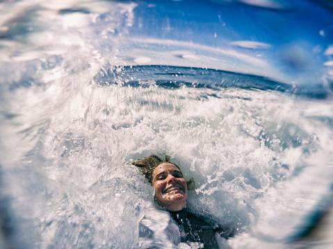 Selfie in waves