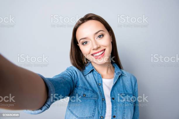 Selfie mania close up of confident brunette girl with beaming smile picture id926680898?b=1&k=6&m=926680898&s=612x612&h=ikkfvbd0o8btjuu 6dqtgqcvphntk3 gwugyykspecu=