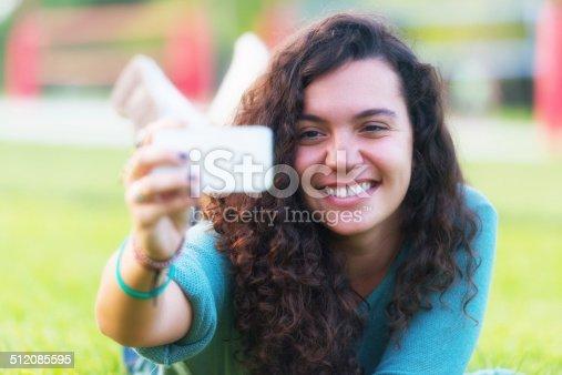 505716502 istock photo Selfie 512085595