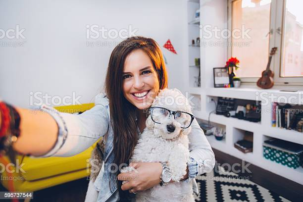 Selfie with cute little dog with eyeglasses picture id595737544?b=1&k=6&m=595737544&s=612x612&h=zrngyjmcrphmn1xk98 fanhwcxz72 1rwkytjivknue=